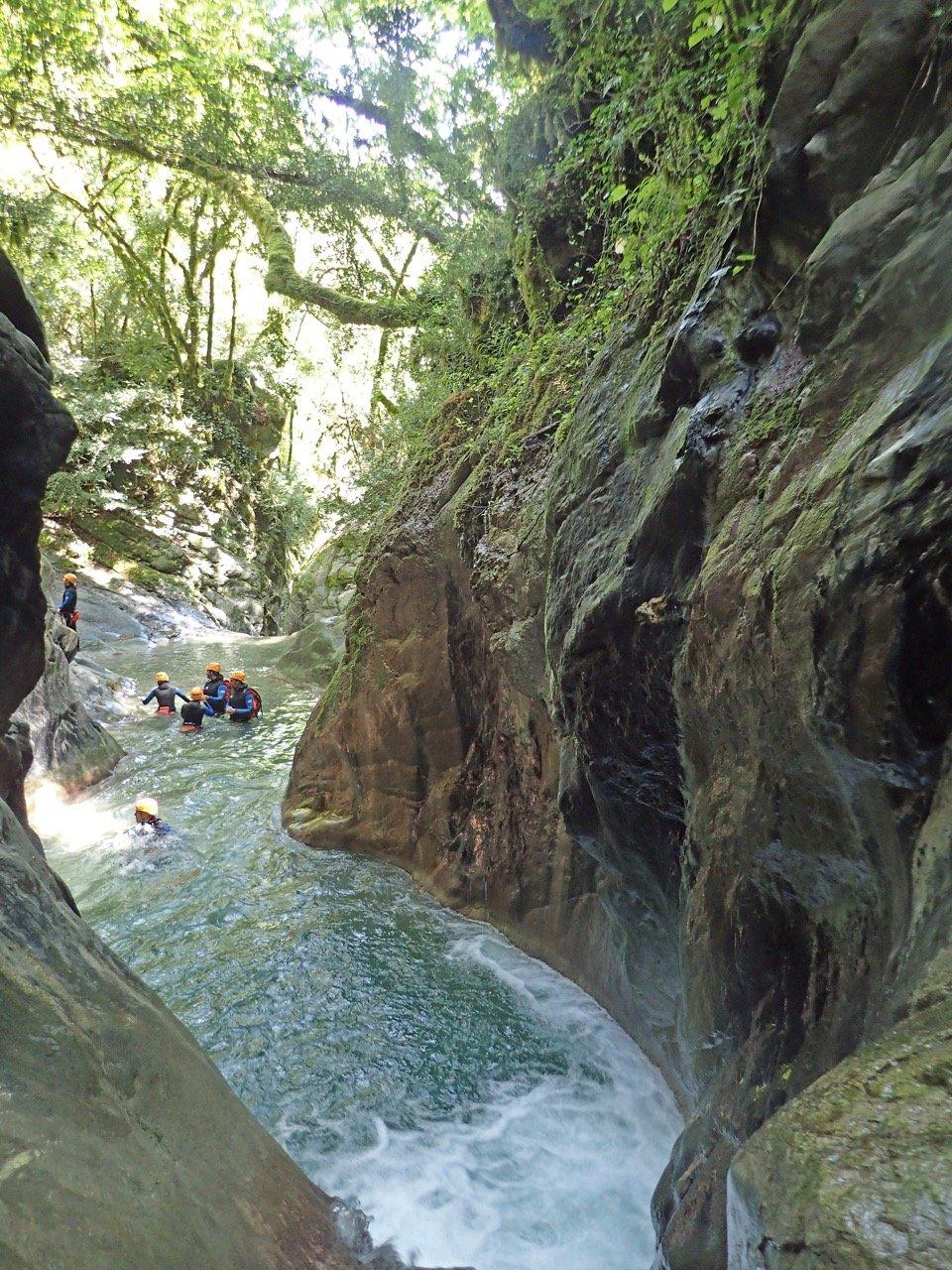 Piscine naturelle dans le canyon de la Maglia.