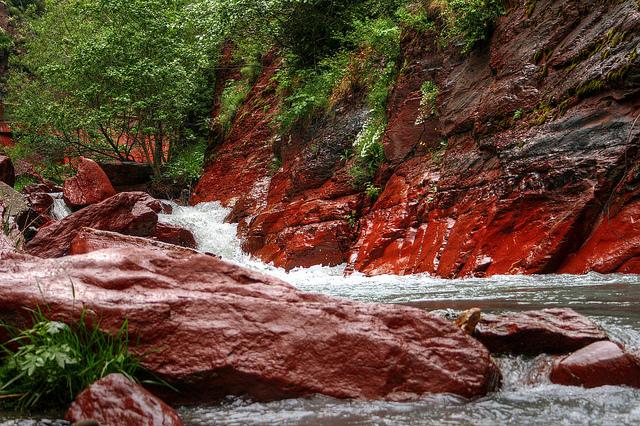 Canyon des gorges de Daluis pour une sortie canyoning
