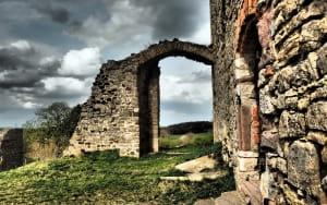 Des ruines en radonnées