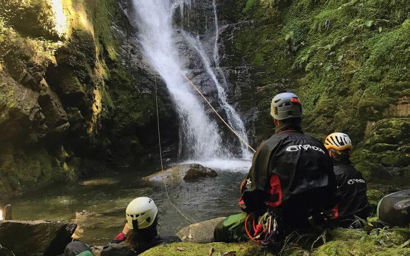 L'équipe du Bureau des moniteurs en canyoning au Chili.