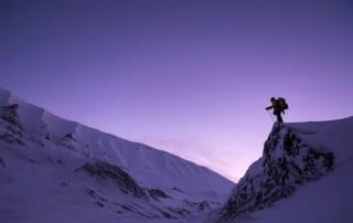 Randonnée hivernale à l'aube.