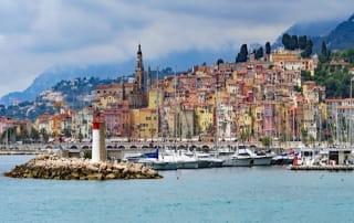 Vue de Nice depuis le port.